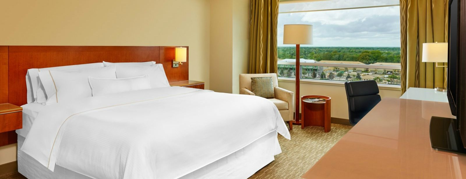 Club Level Guest Room | The Westin Lake Mary, Orlando North